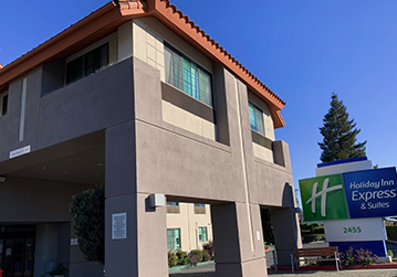 Welcome To Holiday Inn Express & Suites Santa Clara