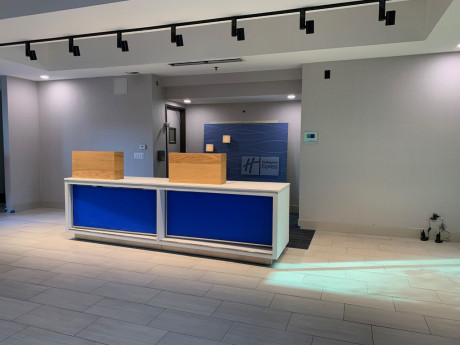 Welcome To Holiday Inn Express & Suites Santa Clara - Lobby Area